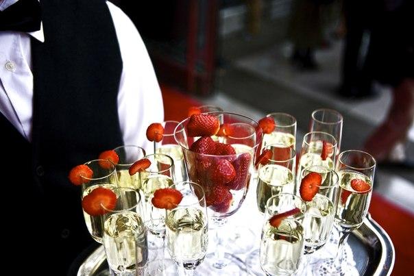 5 способов подать шампанское на свадьбе в 2019 году