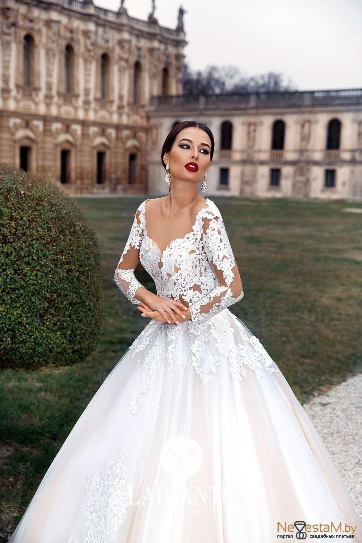 Свадебное платье А-силуэт (принцесса) с рукавами со шлейфом ... 9677e4bc232