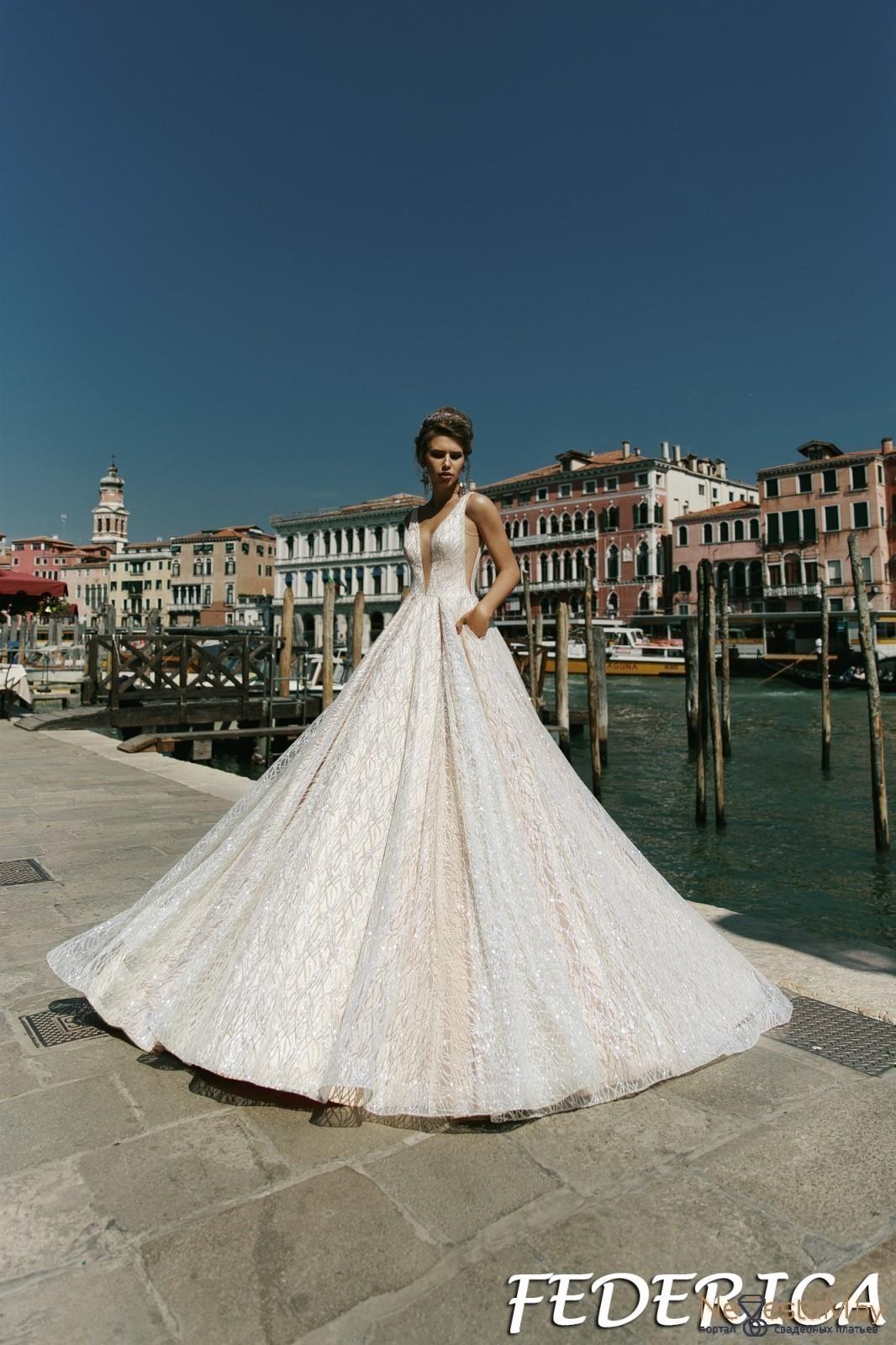 55710d94239ee75 Свадебное платье А-силуэт (принцесса) без корсета с открытой спиной ...