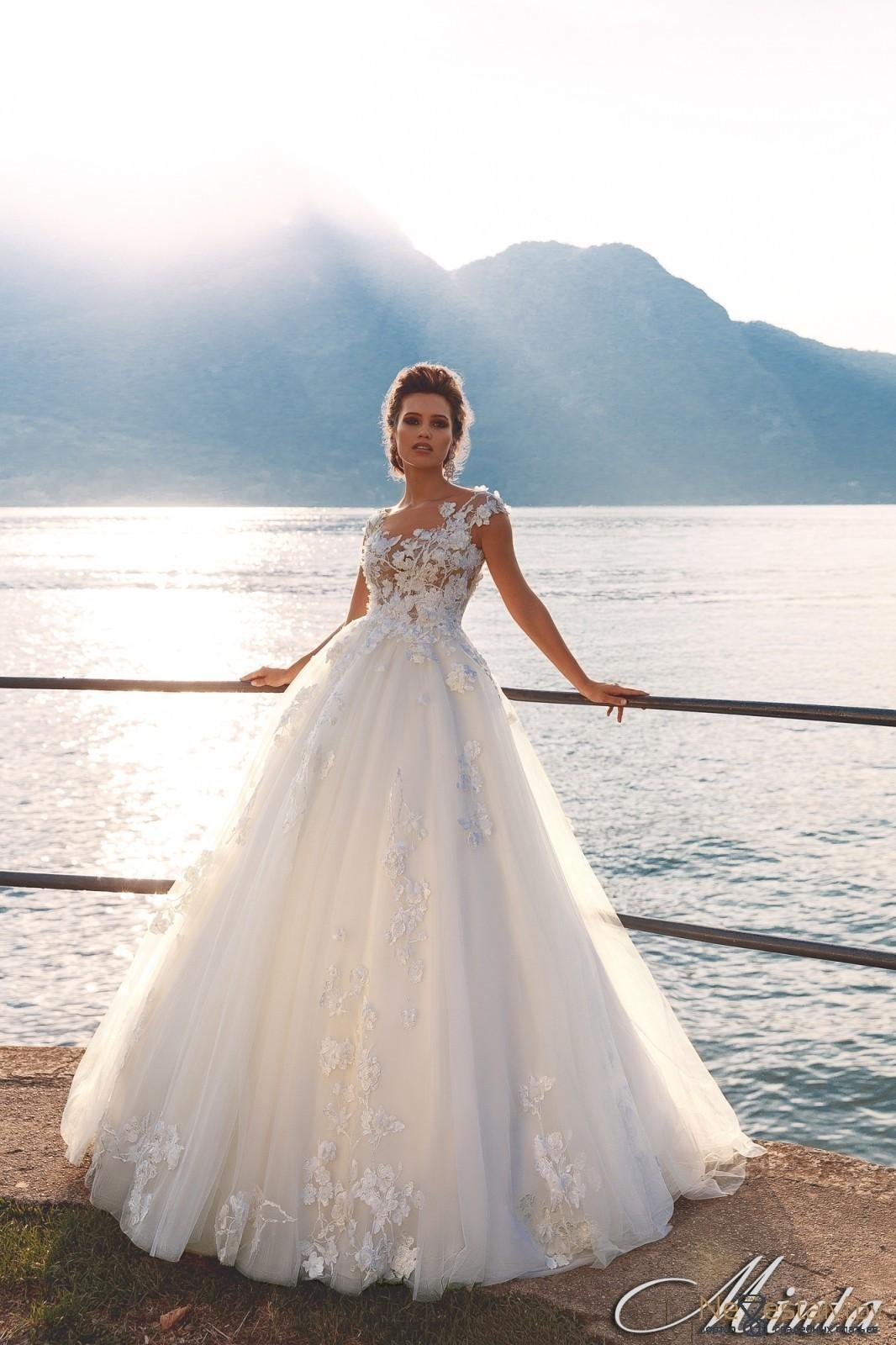 70964ece68e Свадебное платье А-силуэт (принцесса) закрытое подходит беременным ...