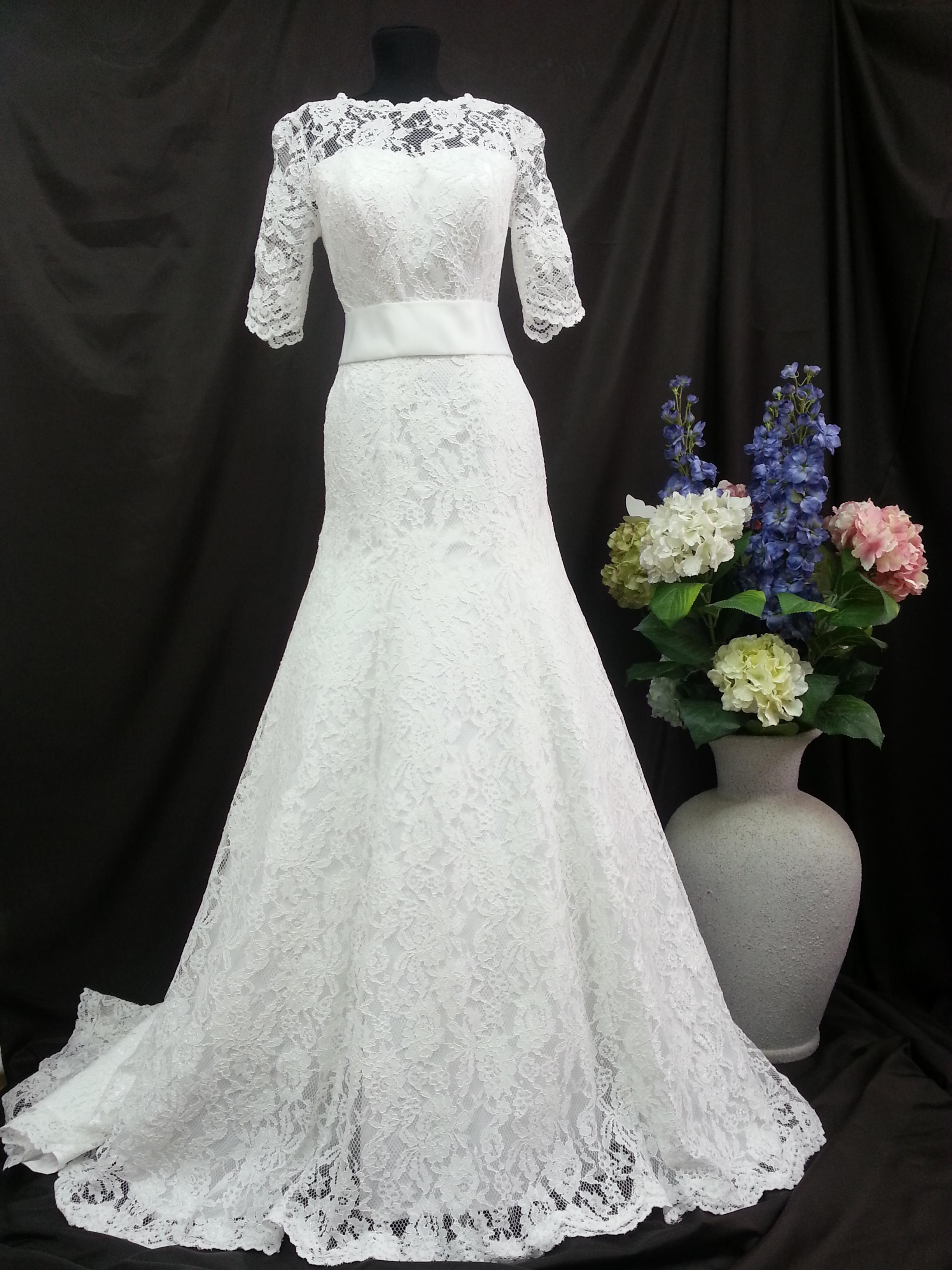 Фото свадебного платья тори спеллинг ожидать