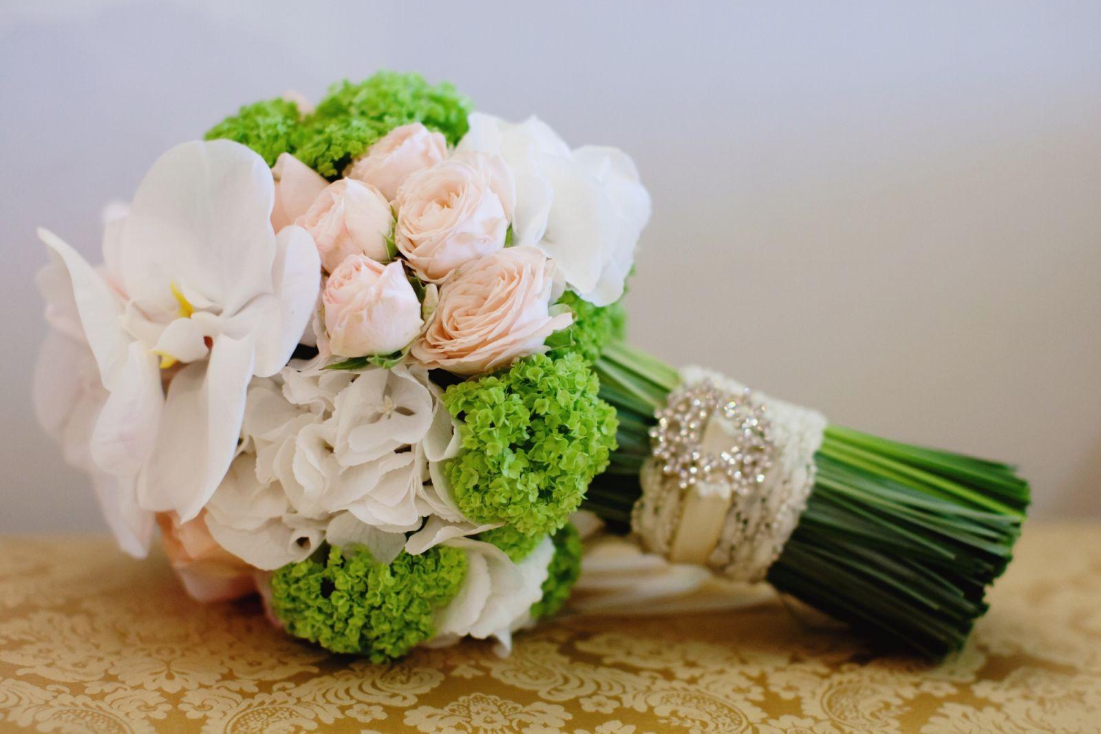 Сиреневых, идеи для свадебного букета