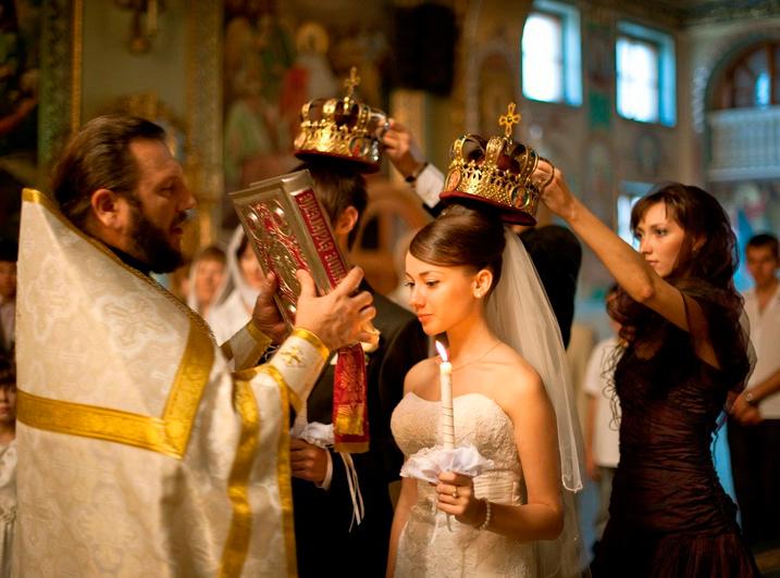 Для проведения самого обряда крещения потребуется.